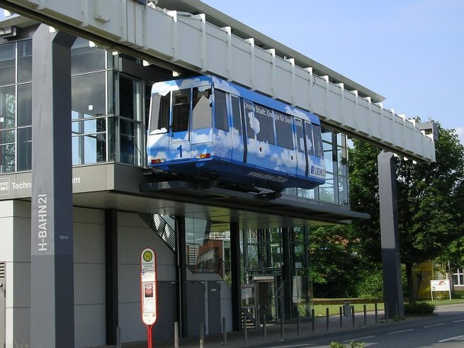 Подвесная транспортная система H-Bahn в Дортмунде (воздушное метро)