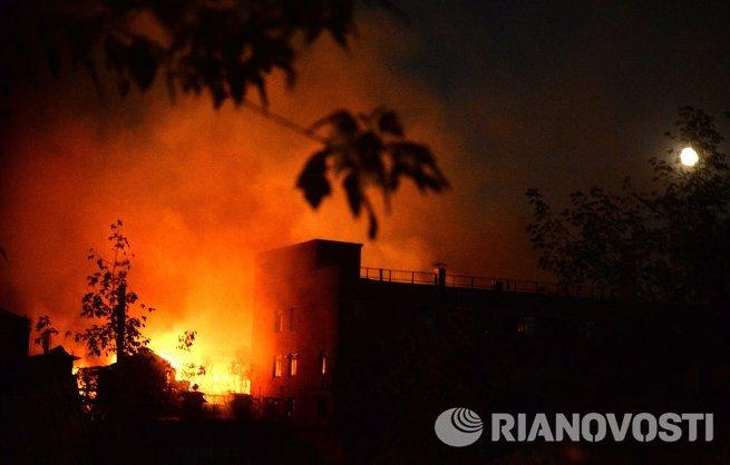 На московском заводе Серп и Молот произошел пожар.