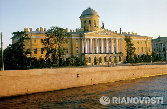 Пушкинский дом в Ленинграде