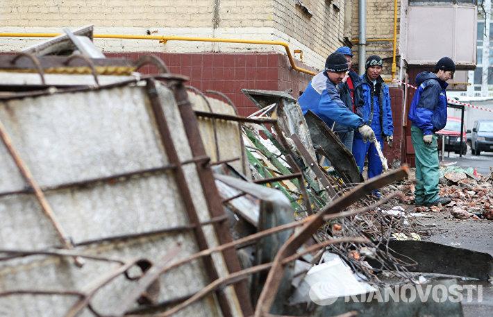 Четыре балкона жилого дома обрушились на северо-востоке Москвы