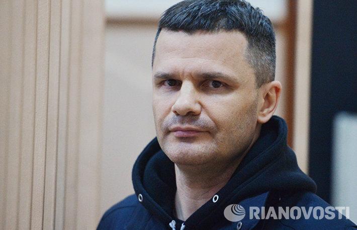 Рассмотрение ходатайства следствия об аресте председателя совета директоров аэропорта Домодедова Дмитрия Каменщика