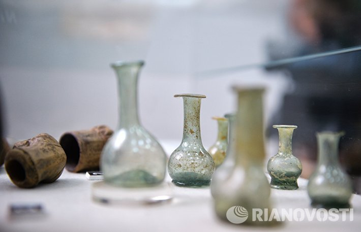 Стеклянные флаконы 17-18 веков