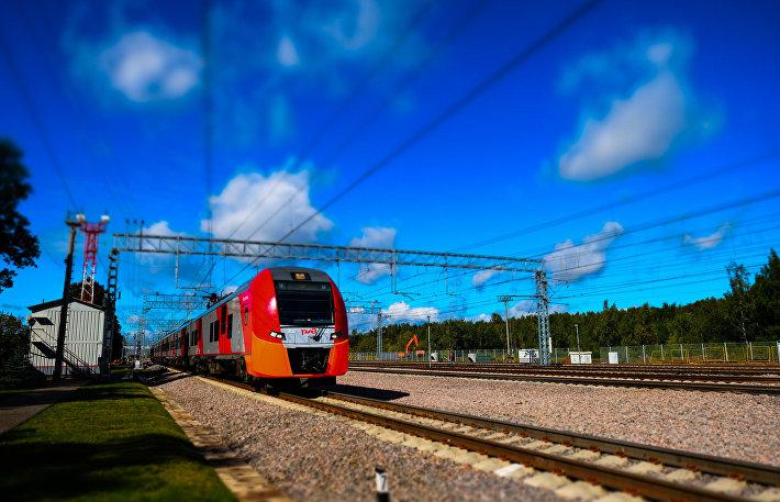 Электропоезд на Московском центральном кольце в Москве