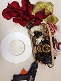 Сухофрукты и карасики: делаем новогодние украшения своими руками
