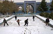 Снежки в Мазари-Шарифе