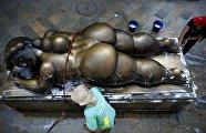 Ботеро статуя женщины